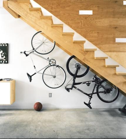 under stairs - decorenvy
